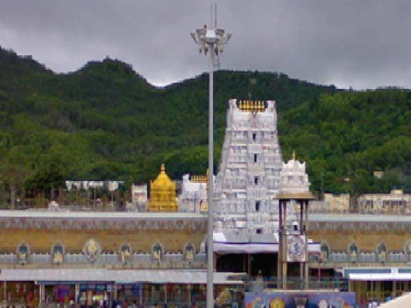 Short circuit in the scanner at main entrance of the Tirupathi Ezhumalayyan temple