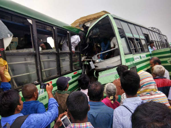 35 injured 2 government buses collide