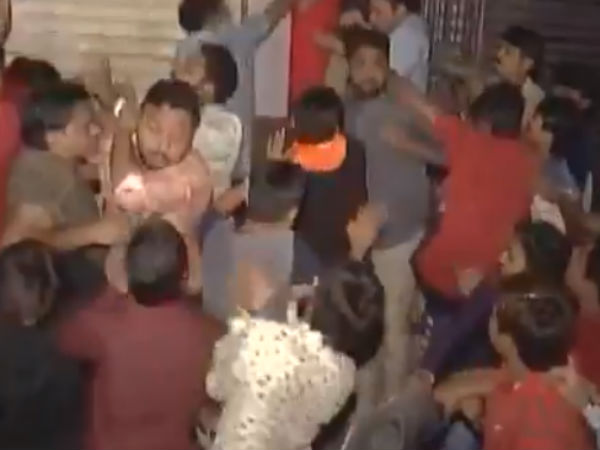 Clash Between PAAS Leaders and Congress Cadres In Surat Over Ticket Distribution