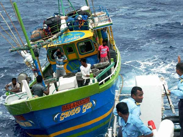 10 Tamilnadu fisherman arrested by the Srilankan navy