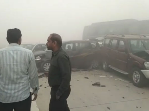 Vehicles Collide one by one in Yamuna Express Highway in Greater Noida due to poor smog