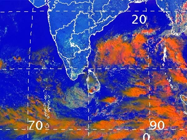Thunderstorm accompanied with lightning at isolated places of Tamilnadu and Puducherry: Chennai meteorological center