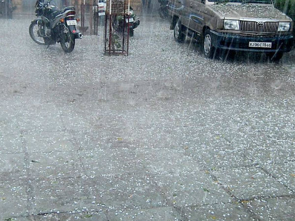 Nagapattinam today too get severe rain, flood alert given to Karaikal lowlying area people.