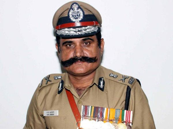 tamil.oneindia.com - Mohan Prabhaharan - திரையரங்குகளில் வெற்றி நாட்டிய 'தீரன்'.... உண்மையான &#