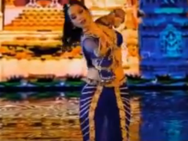 ரஷ்ய நடன போட்டியில் '' ரா ரா '' பாட்டுக்கு நடனமாடிய உக்ரைன் நாட்டு அழகி