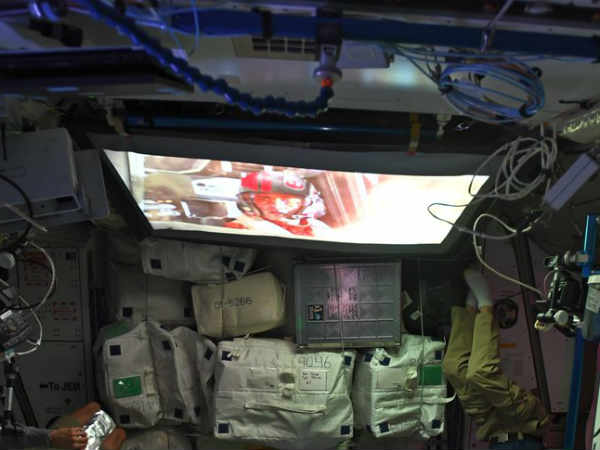 NASA Astronauts finally watch a Movie in SPACE - Do you Know what movie it is? How they watched? PHOTOS inside