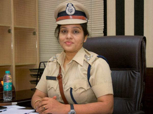 DIG Roopa IPS claims on RTI that information on the status of her complaint against Sasikala