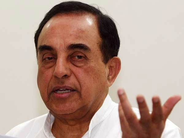 Subramaniyan swamy criticises Rajini is illiterate and he only announced his political entry