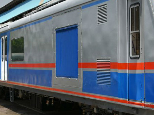 First suburban AC trains to introduce in Mumbai as a Christmas Gift
