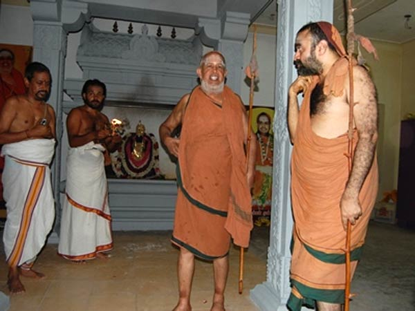 Police Protection for Kanchi mutt Seers