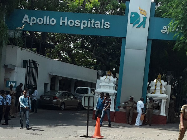 Apollo hospital doctor Sathyabama appeared in the Arumugasami commission