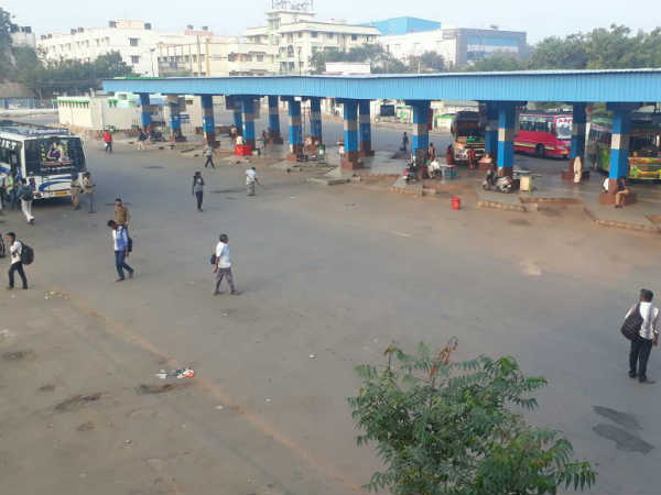 Bus stations are empty as the staffs indulged in strike throughout the Tamilnadu