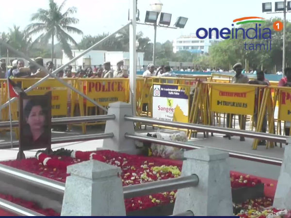 CM and Deputy CM went to Jayalalitha Memorial and paid tribute
