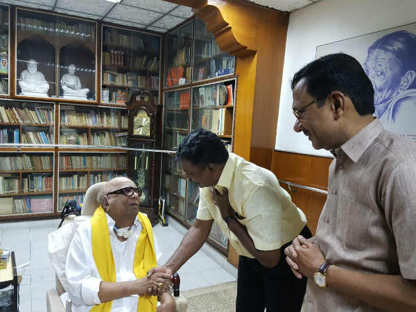 VCK leader Thirumavalavan met Karunanidhi at his gopalapuram residence