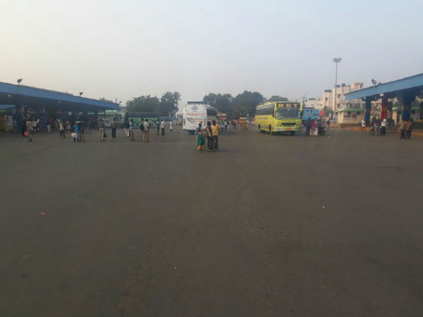 Koyambedu Bus stand is Deserted due to Transport workers Strike