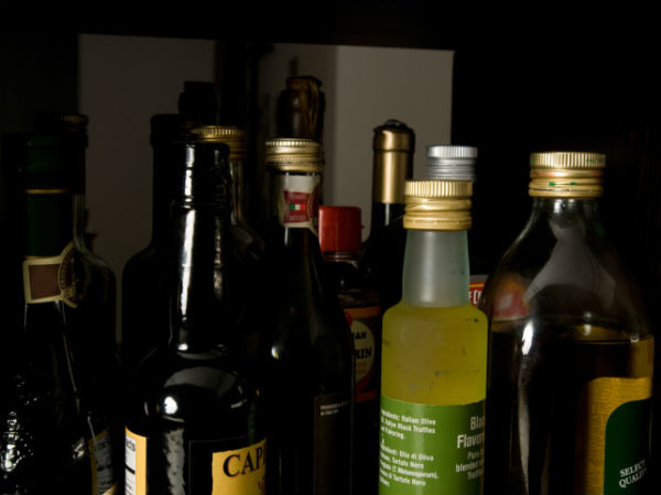 Nagapattinam police arrested a lady who sell liquor illegally