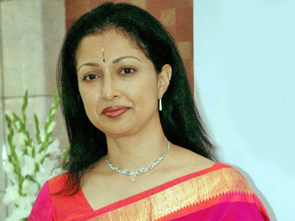 Actress Gautami welcomed Rajinikanth's political entry as it is good for people