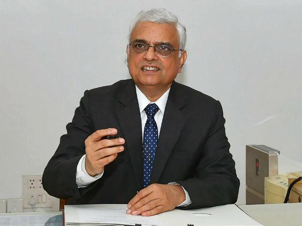 தலைமை தேர்தல் ஆணையராக பதவியேற்றார் ஓம் பிரகாஷ் ராவத்!
