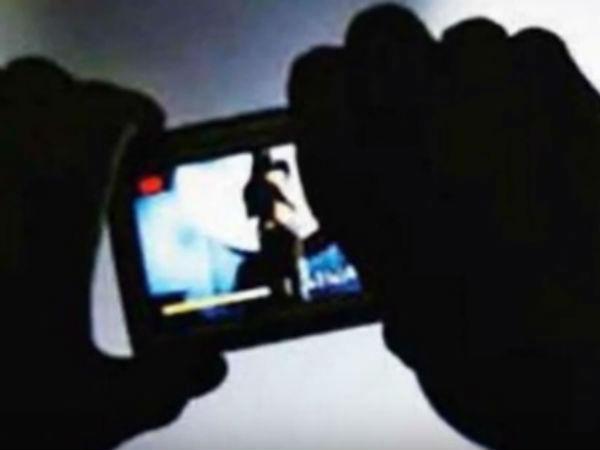 சென்னை: விளையாட்டு வீராங்கனை குளிக்கும் போது  வீடியோ எடுத்த நபர் கைது