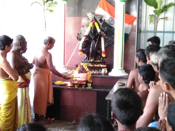 குடியரசு தினவிழா - தன்வந்திரி பீடத்தில் பாரதமாதாவிற்கு சிறப்பு அபிஷேகம் ஹோமம்
