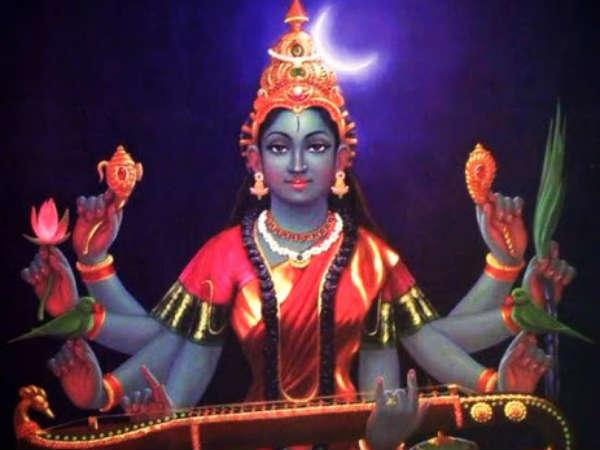சியாமளா நவராத்திரி: தேர்வில் வெற்றி பெற ஸ்ரீ ராஜ மாதங்கியை வணங்குவோம்