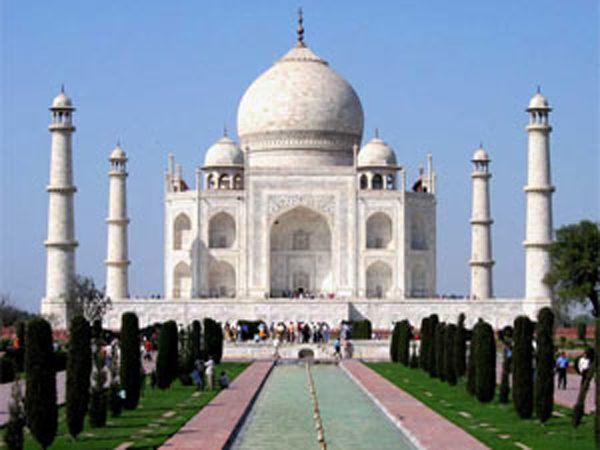 New Rule by UP Government to Limit the Visitors to Tajmahal