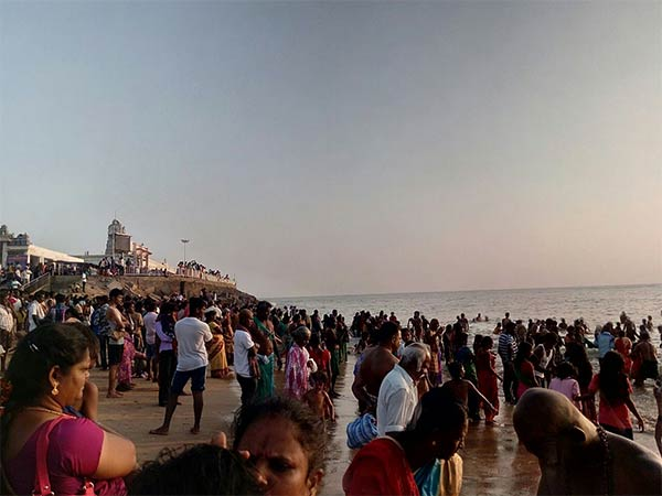 Ahead of pongal lakhs of devotees gathered in Tiruchendur Temple