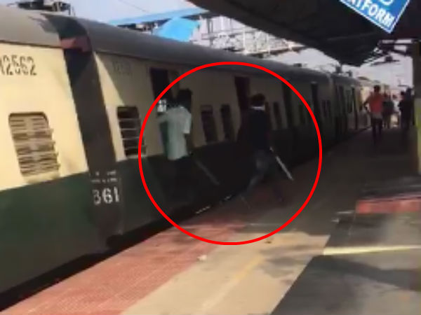 Students attacks passangers weapons on suburban train in Chennai