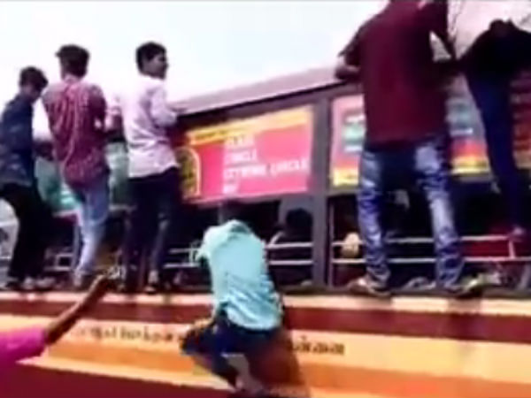 Students clash in Chennai with knife: A bus passenger injures