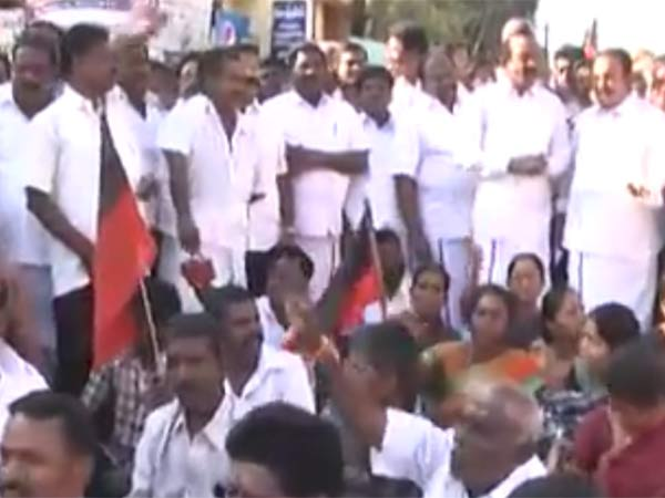 Black flag shown for Governor in Trichy