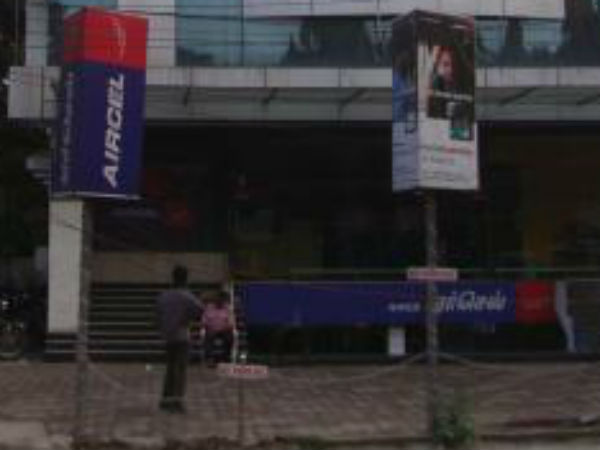 In Chennai, Aircel's office has been attacked by customers