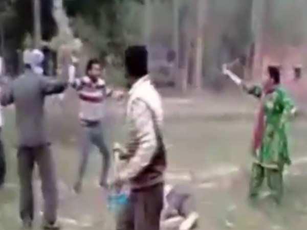 கணவனை தாக்கிய 5 பேர்.. பொறுக்காமல் எல்லோரையும் புரட்டி எடுத்த மனைவி.. ஹரியானாவில் சுவாரசியம்