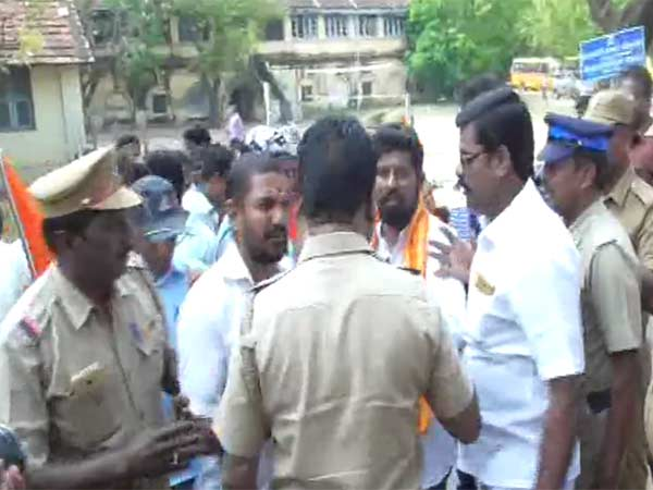 Hindu people party workers arrested for opposing valentines day
