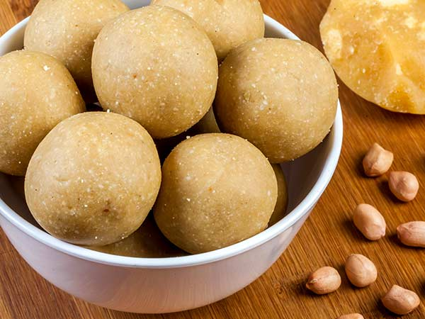 Home made traditional sweets and snacks are just a click away