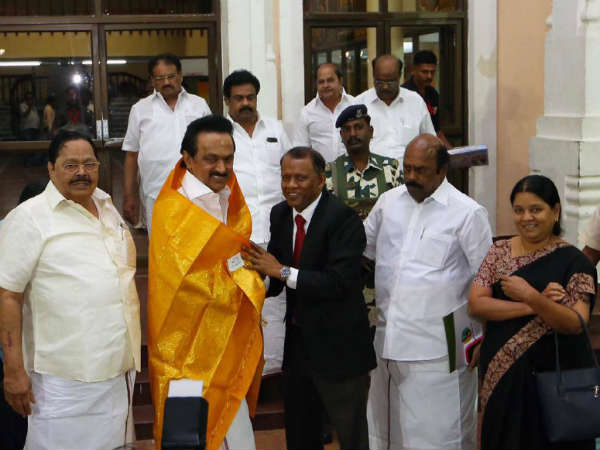 MK Stalin issues Rs. 1 Crore for Tamil chair