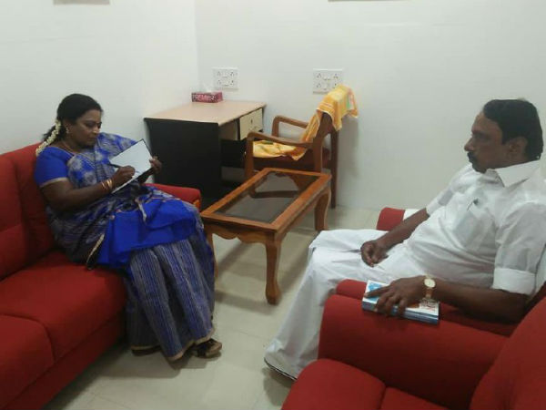 Tamilisai gave Exam Warriors book to Minister Sengottaiyan