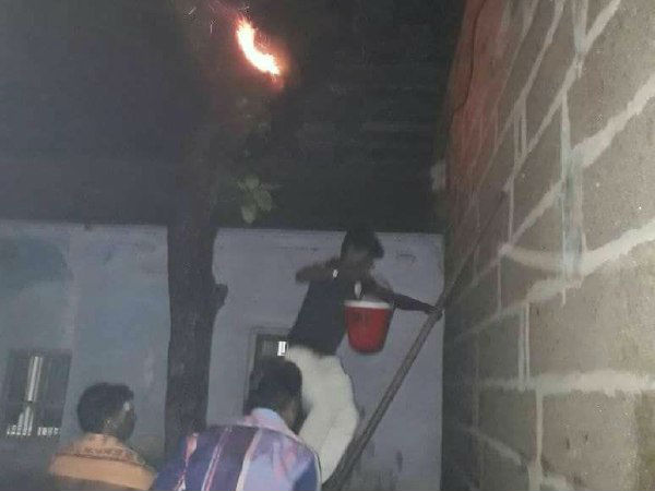 Tenkasi Kasi viswanathar temple tree got fired