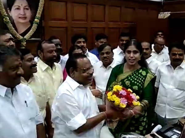 Congress MLA Vijayadharani wishes Speaker