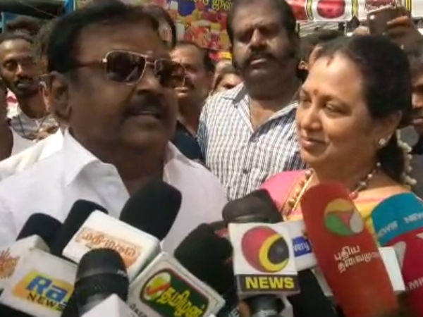Rajini, Kamalhaasan are my Juniors in Politics, says Vijayakanth