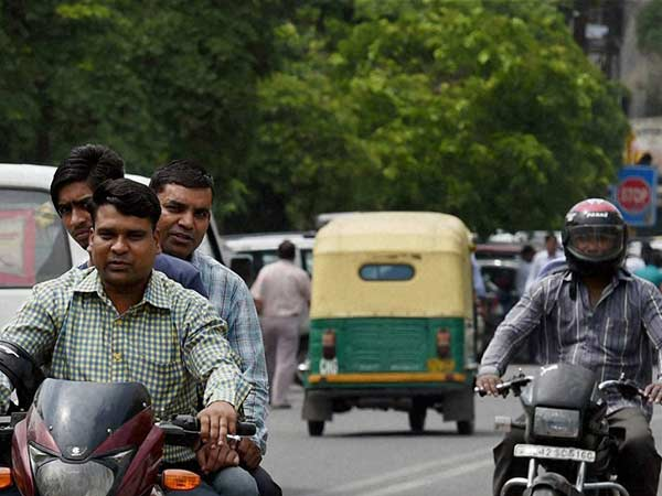 Should fine people those who not in wearing helmet while driving says Trichy Commissioner