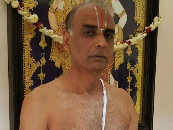 Americai Narayanan showing his sacred thread picture