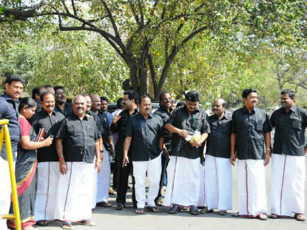 DMK MLAs wears black shirt oppposing Central Government