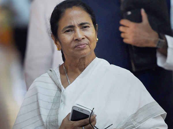 Mamata Banerjee wishes SP-BSP for the bypoll win in UP