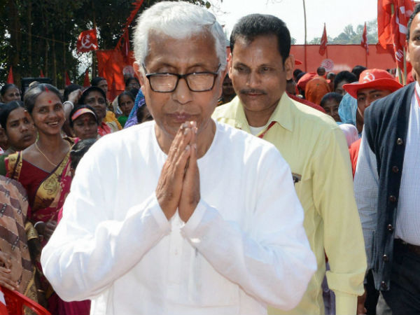 Manik sarkar lives in CPM office