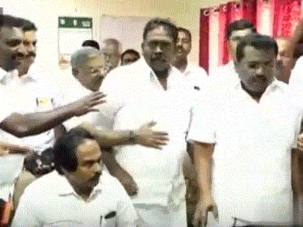DMK and Congress MLAs protest in Nagercoil