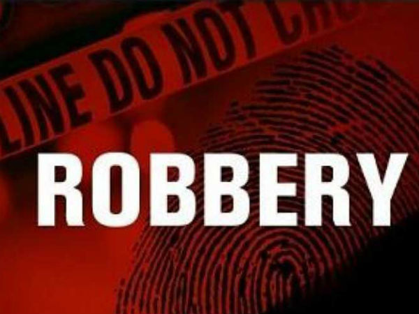 Robbers who came in husband and wife getup looted money from a Family in Chennai