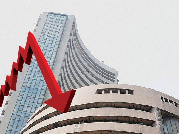 Sensex sinks Nifty slips below 10350, banking stocks fall