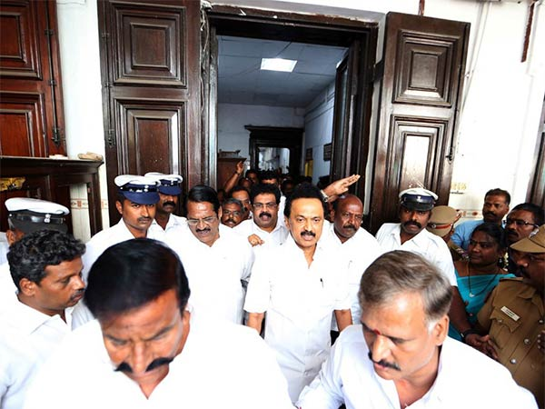 DMK MLAs evicted from Tamil Nadu Assembly