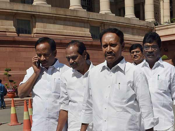 Thambidurai asks what is the use in resigning for Cauvery issue?