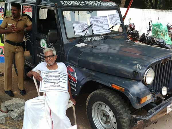Traffic Ramasamy sits in fast protest in Trichy